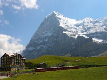 Schweiz Berge Zug Alpen Rundreise Rotel Tours