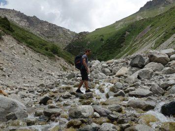 Natur Fluss Wanderer